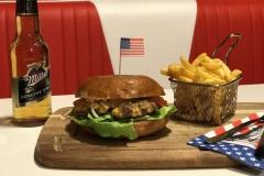 Hiwi Bowling Burger